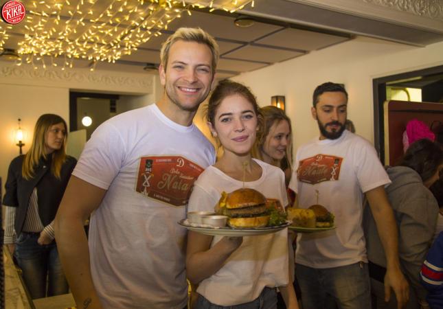 Pranzo Per Bambini Roma : Alessandro borghi il dolce cameriere per i bambini di roma