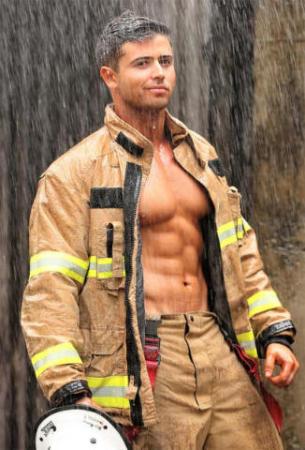 Calendario Pompieri Americani.Sexy Pompieri E Cuccioli Il Firefighters Calendar 2018