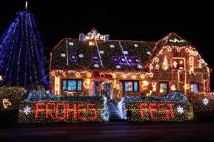 Immagini Case Natalizie.In Germania Le Case Si Illuminano Per Le Feste Di Natale